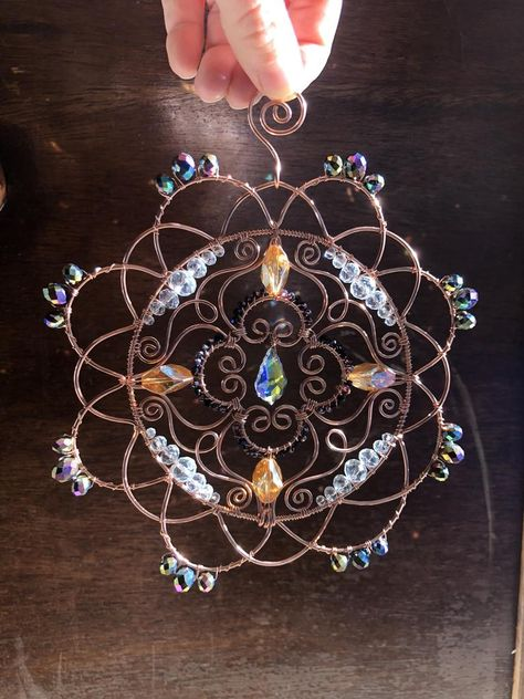 Handmade Wire Jewelry, Handmade Copper, Wire Wrapped Jewelry, Wire Crafts, Jewelry Crafts, Jewelry Art, Copper Wire Art, Beaded Jewelry Patterns, Wire Weaving