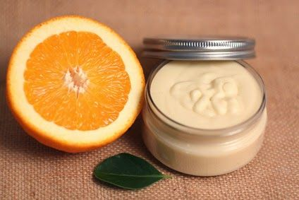 Schnu1 - Kräuterhexe: Selbstgemachte Orangen-Körperbutter /Homemande Orange Whipped Body Butter