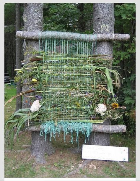 47 Incredibly Fun Outdoor Activities for Kids - Weaving with Weeds #hobbycraft