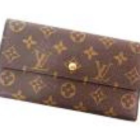 Louis Vuitton Sarah Monogram Canvas Wallet. Excellent gently used condition  with light overall wear  cad78cdd266