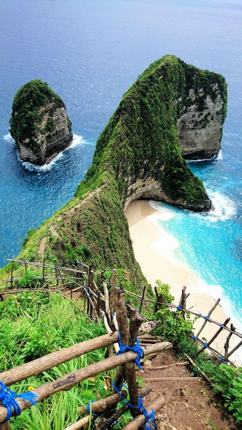 Travel to Bali, Indonesia! Here are 5 beautiful places in Bali that will give you plenty of things to do in Bali � let's do this! #Bali #Indonesia