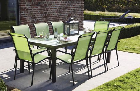 Table de jardin aluminium noir avec un plateau en verre ...