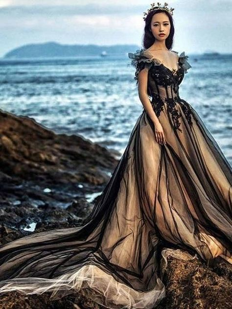 Black Wedding Gowns, Sexy Wedding Dresses, Bridal Dresses, Black Ball Gowns, Black White Wedding Dress, Black Weddings, Prom Gowns, Gown Wedding, Evening Gowns