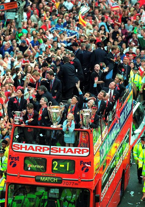 Manchester United Treble 1999: 15 years on, 30 stunning pictures as 500k Reds…