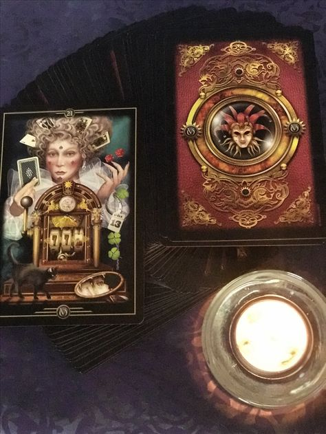 In life we must learn to take risks so that we do not let others choose for us and this way we enjoy everything that life has in store for us.  #oracleofvisions #dailypull #divination
