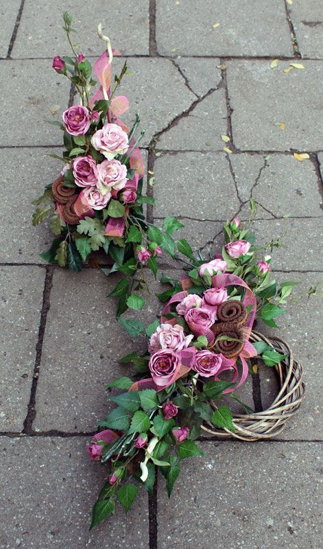 Dekoracja Nagrobna Kwiaty Sztuczne Creative Flower Arrangements Flower Arrangements Funeral Flowers