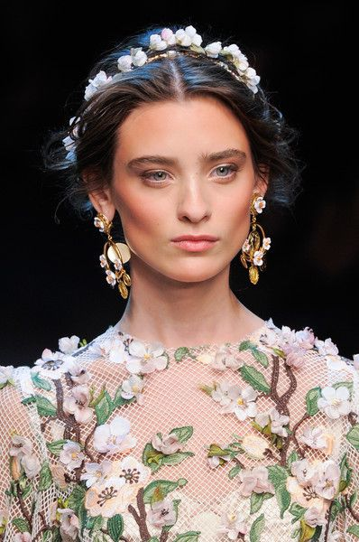 Dolce & Gabbana at Milan Fashion Week Spring 2014 - Details Runway Photos