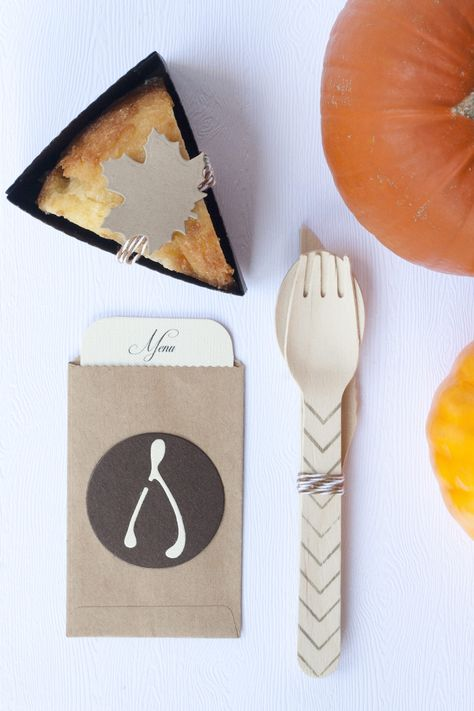Wishbone theme Thanksgiving table setting The L Blog | Lifestyle Crafts #party #thanksgiving #tabledecor