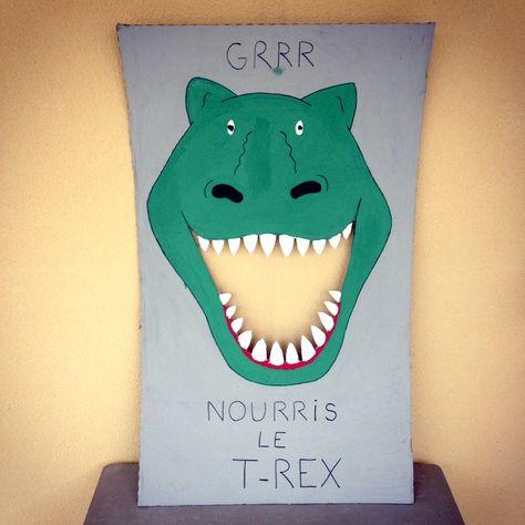 Anniversaire dinosaure : thème idéal pour les enfants entre 3 et 8 ans