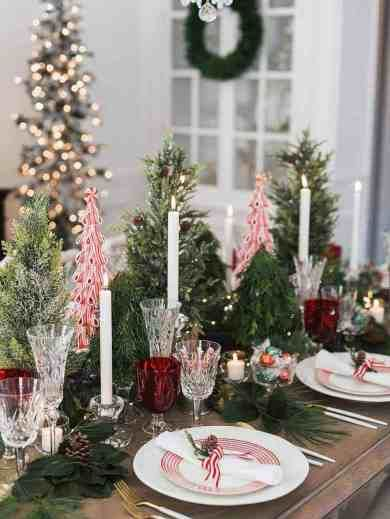 25 Absolutely Gorgeous Centerpiece Ideas For Your Christmas Table Christmas Tree Table Decorations Easter Table Centerpieces Christmas Table Decorations