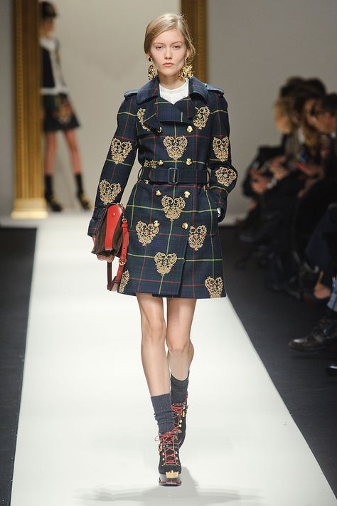 Moschino Fall 2013 Ready-to-Wear Collection