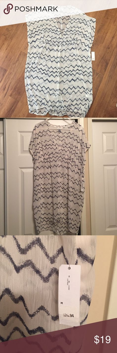 Sheer bathing suit coverup NWT sheer Old Navy bathing suit coverup. Chevron detail. Old Navy Swim Coverups