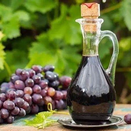 طريقة تطويل الشعر بدون زيوت تجربتنا المكونات شبت وبقدونس وجرجير ٣ فصوص ثوم ونفرمهم لتر ماء معلقة خل العنب Balsamic Vinegar Red Wine Vinegar Grape Vinegar