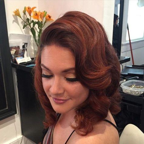 Wavy Hairstyle For Medium Length Hair In Maxi Party Dress Medium Length Hair Styles Evening Hairstyles Dress Hairstyles