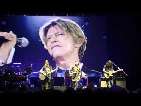 Steven Wilson - Space Oddity (David Bowie) - Hammersmith Apollo 27th Jan...