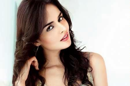 Nathalia Kaur To Make Her Acting Debut In Bollywood Opposite John Abraham With Movie Rocky Handsome Long Hair Styles Nathalia Kaur Beauty