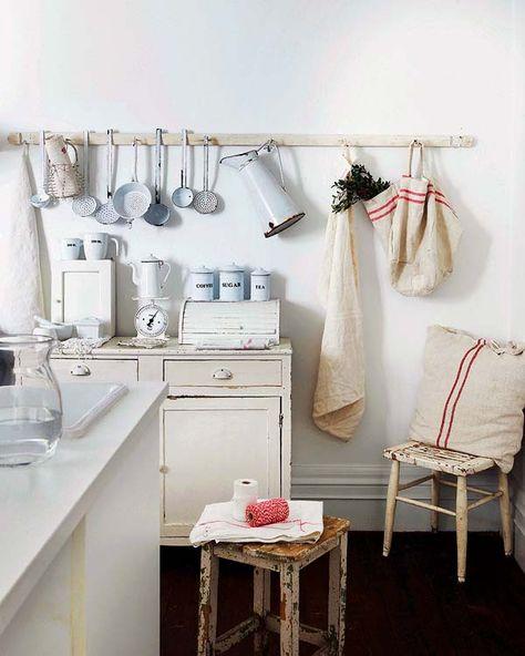 Kitchen inspiration | striped linens | Habitation et show room à Madrid
