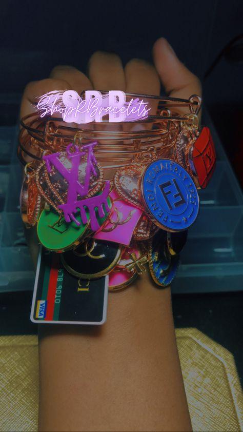 Jewelry Case, Girls Jewelry, Cute Jewelry, Bangle Bracelets With Charms, Bangles, Crocs Fashion, Funky Shoes, Cute Charms, Luxury Jewelry