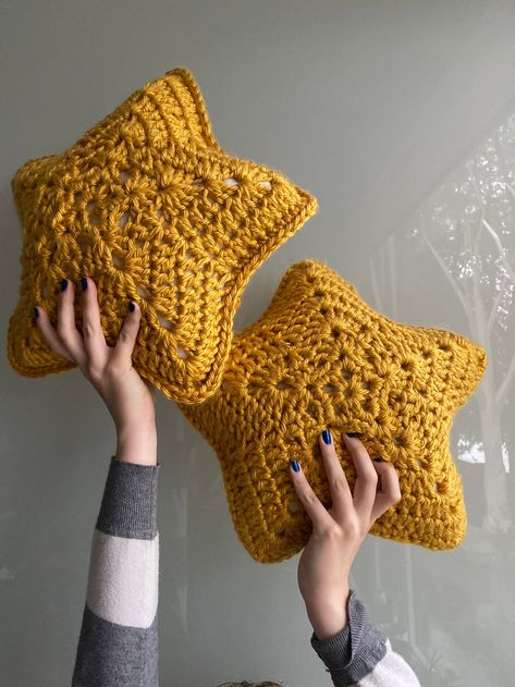 Stellar Star Pillow Crochet Pattern / Easy Star PIllow / Galaxy Pillow / Cute Star Pillow / DIY / Onestopwonders / PDF
