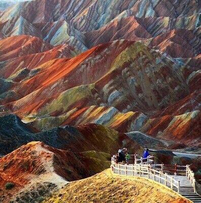 جبال ملونة في الصين دعونا نذهب إلى كتاب الله ونتساءل هل يمكن أن نجد حديثا أو إشارة إلى هذا ا Danxia Landform Zhangye Danxia Landform Zhangye