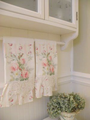Shabby Chic Table Decor Shabby Chic Bedroom Decorating Ideas On A Budget Provided Shabby Chic Shabby Chic Room Shabby Chic Kitchen Decor Shabby Chic Bedrooms