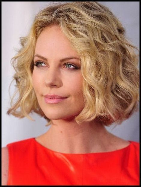 Stufig Frisuren Frauen Frisuren Mittellang Stufig Locken Frauen Frisuren Locken Mittel Medium Length Hair Styles Curled Hairstyles Curly Bob Hairstyles