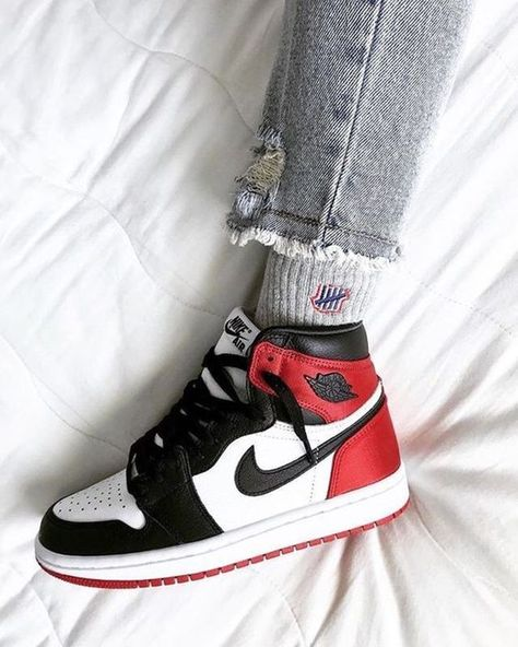 Nike Air Shoes, Nike Air Jordans, Air Jordan Sneakers, Air Jordans Women, Nike 1s, Nike Socks, Jordans Sneakers, Outfits With Jordans, Womens Jordans