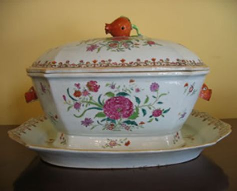 Chinese Famille Rose Enameled Porcelain Covered Tureen