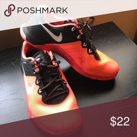 nike flywire womens sneakers