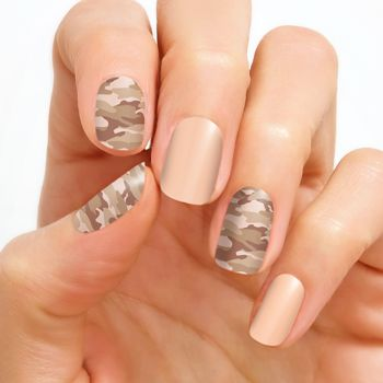 This Tough Pattern Gets An Understated And Chic Update With This Faded Camo Design Creme Finish Each Set In Color Street Nails Camo Nails Nail Designs Unique