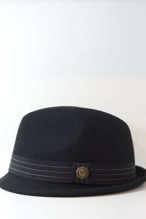 ec87c6905514f A-crown stingy brim. Light wool felt. Lined in satin. 1