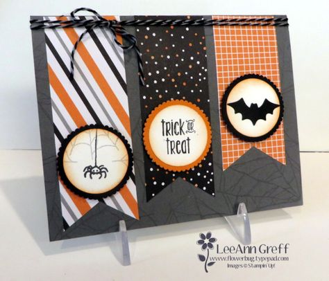 Spooky Fun Banners (Flowerbug's Inkspot) - Halloween Halloween Paper Crafts, Halloween Fun, Handmade Halloween Cards, Fall Cards, Holiday Cards, Tarjetas Diy, Halloween Scrapbook, Thanksgiving Cards, Card Sketches