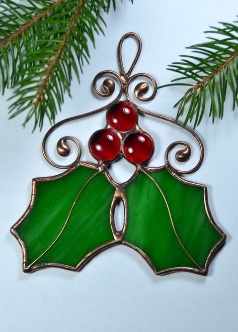 Holly leaves Christmas decor, stained glass ornaments, holly berry decoration, w… – Glass Art Designs Stained Glass Ornaments, Stained Glass Christmas, Stained Glass Suncatchers, Stained Glass Flowers, Stained Glass Designs, Stained Glass Projects, Stained Glass Patterns, Stained Glass Art, Glass Christmas Ornaments