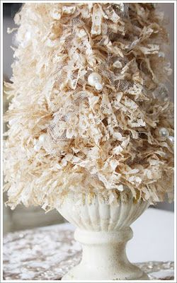 A lace tree oh my! - oh I can so do this - have TONS of lace