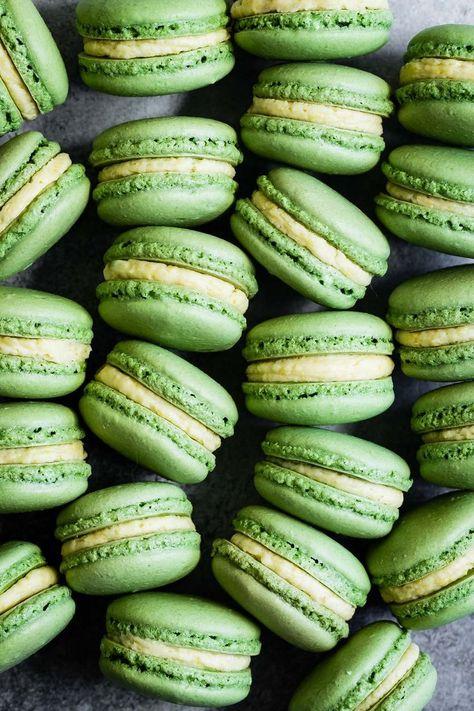 Matcha Macarons with Mango Buttercream - Plus tips for perfect French macarons! #macarons #frenchmacarons #matcha