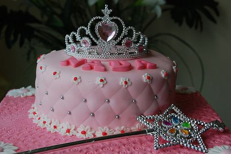 Princess Crown Cake by Syanti Alfian, via Flickr