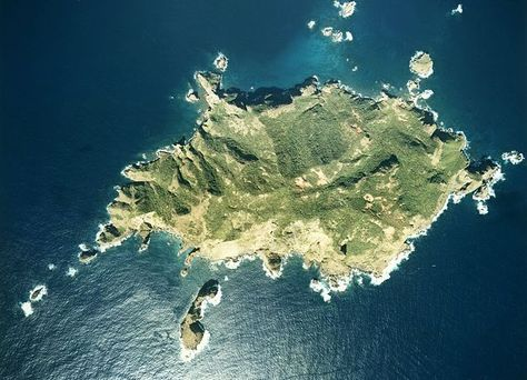 Imōto-jima ◆Ogasawara-guntō – Wikipedia http://de.wikipedia.org/wiki/Ogasawara-gunt%C5%8D #Ogasawara_Islands #Bonin_Islands