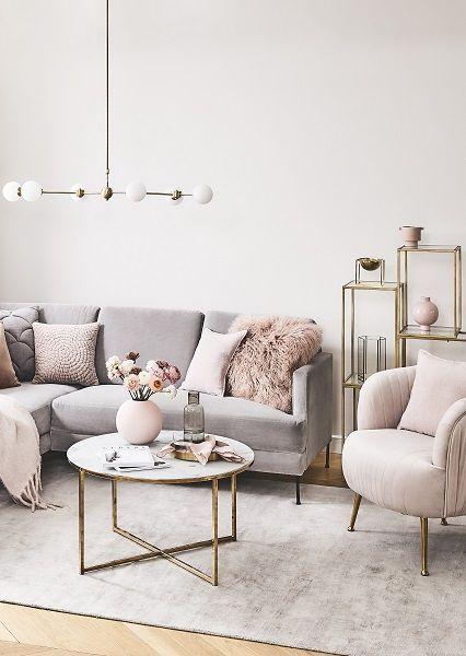 Xl Pendelleuchte Aurelia 2019 Was Fur Ein Einzigartiges Wohnzimmer Das Wunderschone Samtsofa Cuc Living Room Decor Apartment Living Room Living Room Designs