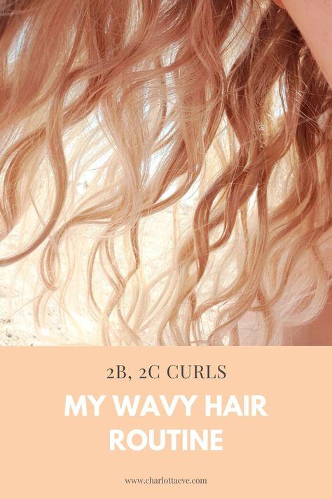 Naturally curly and wavy hair 101 - Curly hair routine Curly Hair 2c, Wavy Hair Tips, Wavy Hair Care, Wavey Hair, Wavy Curls, Curly Hair Routine, Natural Wavy Hair, Long Wavy Hair, Hair
