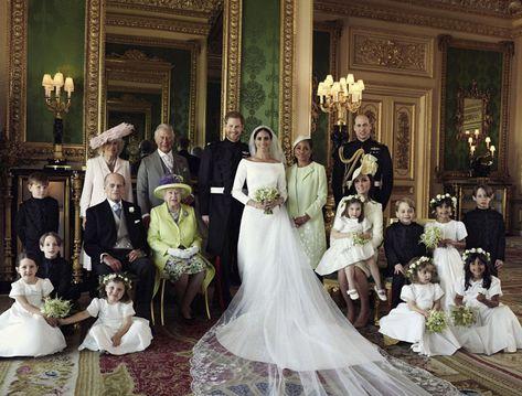 Los Recien Casados Con La Reina Isabel De Inglaterra El Principe Felipe El Principe Carlos Con Camilla Parker Bowles La Madre M Retratos De Boda Bodas Reales