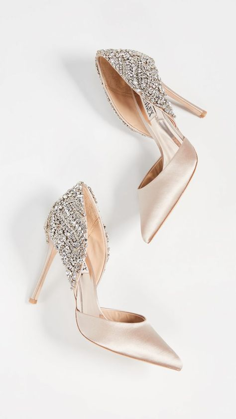 18 of the Most Beautiful Bridal Shoes EVER - Chic Vintage Brides : Chic Vintage Brides