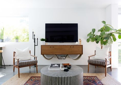 Old & New - Pierce Brown's Bachelor Pad Brings The Drama To A Cali Cool Space - Photos