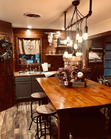 Western Kitchen Decor, Farmhouse Kitchen Decor, Kitchen Interior, Country Western Decor, Western Living Rooms, Plans Architecture, Ranch Decor, Sweet Home Alabama, Tiny House Living