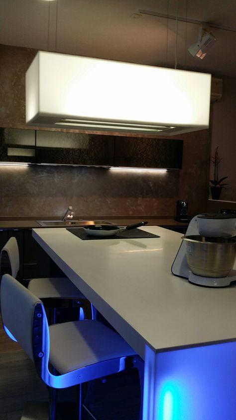 Cuisine Design A Toulouse Cuisine Ouverte Equipee Cuisine Moderne Tendance Contemporaine Cuisines Design Meuble Salle De Bain Une Vasque Mobilier De Salon