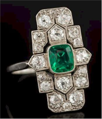 The Jewellery Also Includes An Art Deco Emerald And Diamond Rectangular Plaque Ring Fs33 287 Antique Jewelry Art Deco Ring Art Deco Diamond