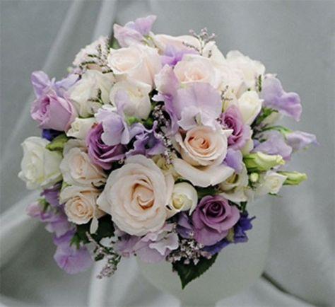 Bouquet Sposa Lilla E Bianco.Bouquet Lilla E Bianco Matrimonio Floreale Bouquet Da Sposa