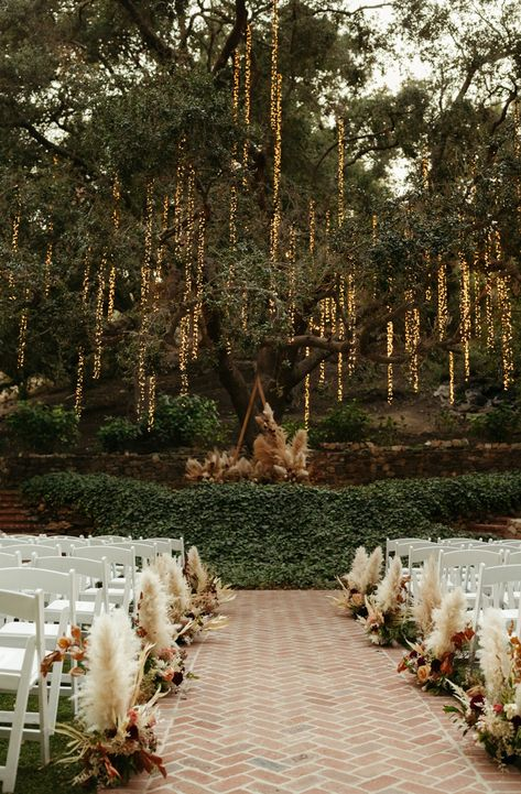 As soon as Jareena and Christopher stepped foot on the grounds of this magical Malibu venue, they knew a Calamigos Ranch wedding was the day they'd beenJareena Perfect Wedding, Fall Wedding, Gown Wedding, Wedding Cakes, Wedding Rings, Magical Wedding, Forest Wedding Venue, Diy Wedding, Elvish Wedding