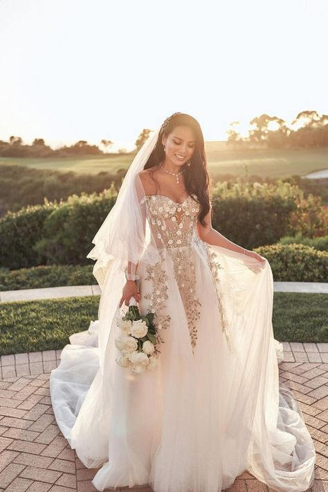 Timeless and elegant - #GLBride Erica Kim Juma got married in our Galia Lahav #Aelin floral embellished wedding dress. The perfect dress for her white roses, baby's breath, and geranium florals for her all-white filled wedding.