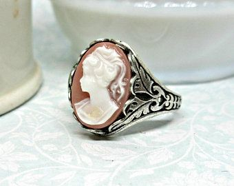 Beautiful~Adjustable Cameo Ring