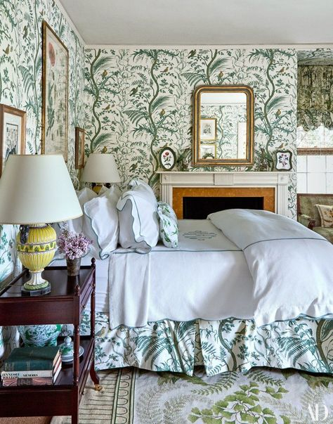 8b9b56b2ad0 Tory Burch s Classic Southampton HomeThe bed and walls in a guest room  share the same Brunschwig   Fils pattern (Bird and Thistle).